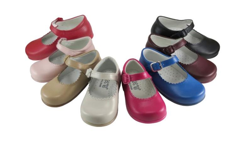 Zapatos para niñas tipo merceditas en muchos colores